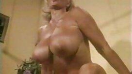 Гаряча маленька красуня seks sestre оргазм