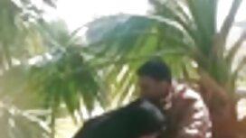 Підліток і бризкає водою порно сестри зі свого фонтану