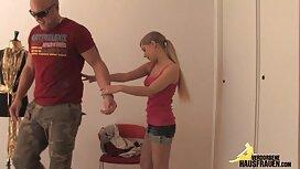 Дівчина показує свою дірочку порно з сестрою