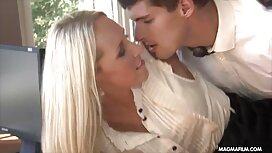Красива порно брат і сестра дівчина думає про пеніс і мастурбації