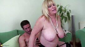 Сучка красива Мастурбація і Мінет секс сестри і брата
