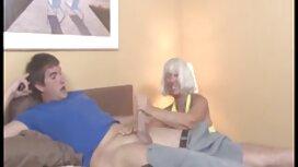 Поділіться своїм досвідом порно з сестрою у кріслі.
