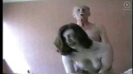 Порося гвалтує порно брат з сестрою гарненьку шатенку на підлозі